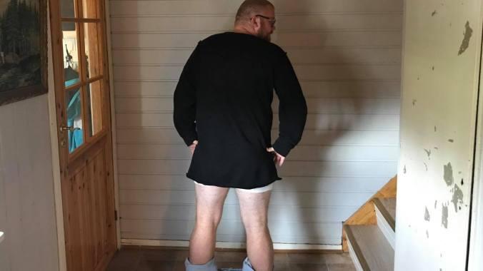bukser nede